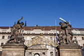 Statue on entrance to Prague castle — Stock Photo