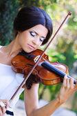 Hezká houslista — Stock fotografie