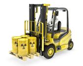 Gaffel lastare med radioaktiva tunnor — Stockfoto