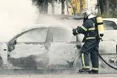 Brandweerman blussen van — Stockfoto