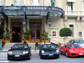 Monte Carlo Casino with luxurious cars — Stock Photo