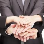 team di aziende con mano insieme per il concetto di lavoro di squadra — Foto Stock