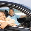 Seniors couple enjoying road trip and travel — Stock Photo