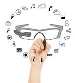 Hand drawing a wearable glasses applications chart — Stock Photo