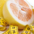 Grapefruit with centimetre. — Stockfoto