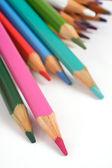 Renkli kalemler üzerinde beyaz, stüdyo izole — Stok fotoğraf
