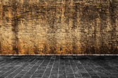 Brown wall with gray ground — Stock fotografie