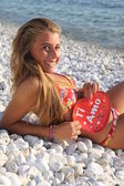 Gril valentine on the beach — Foto Stock