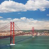 25th of April Suspension Bridge in Lisbon, Portugal, Eutopean tr — Stock Photo