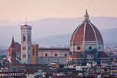 Sunset view of Duomo cathedral in Florence, Italy — Stock Photo