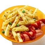 Perfectly cooked macaroni shells — Stock Photo