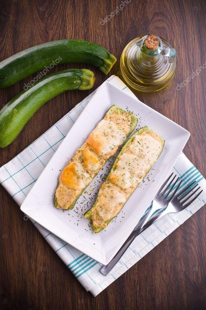 Zucchini stuffed with cheese. — Stock Photo #14554789