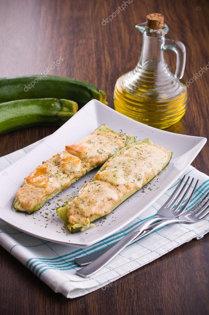 Zucchini stuffed with cheese. — Stock Photo #14555059