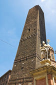 Garisenda kulesi. bologna. emilia-romagna. i̇talya. — Stok fotoğraf