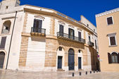 Palazzo storico. Brindisi. Puglia. Italia. — Foto Stock