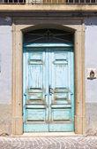 木製のドア。ロゼート valfortore。プーリア州。イタリア. — ストック写真
