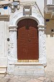 Houten deur. Manfredonia. Puglia. Italië. — Stockfoto