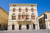 Manfredi palác. cerignola. puglia. itálie. — Stock fotografie