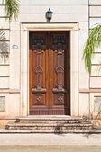 Wooden door. Maruggio. Puglia. Italy. — Stock Photo