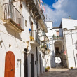 Alleyway. Monte Sant'Angelo. Puglia. Italy. — Stock Photo