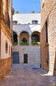 小巷。孔韦尔萨诺。普利亚大区。意大利. — 图库照片