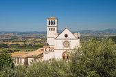 Bazilika svatého františka z assisi. umbrie. itálie. — Stock fotografie