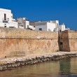 Fortified wall. Monopoli. Puglia. Italy. — Stock Photo