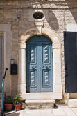 Wooden door. Minervino Murge. Puglia. Italy. — Stockfoto