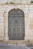 Wooden door. Minervino Murge. Puglia. Italy. — Stock Photo