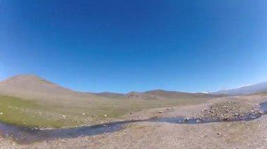 Berg schwer straßen-speed-laufwerk — Stockvideo