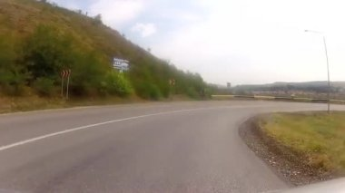 Driving down steep hill — Stock Video