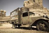 老被遗弃的卡车 — 图库照片