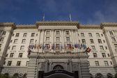 Fairmont Hotel San Francisco Facade Flags — Stock Photo