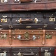 Old vintage suitcases in Shanghai — Stock Photo