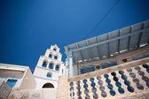 教会在红海滩的美丽钟塔 — 图库照片