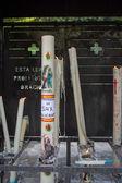 Lourdes adlı bir kilisede mum yakma — Stok fotoğraf