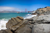 Panorama of the golden gate suspension bridge in Frisco bay — Stock Photo