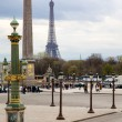 Famous monuments in Paris. The Eiffel Tower as well as the obeli — 图库照片