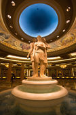 Sculpture at the Caesars Palace in the entrance hallway — Stock Photo