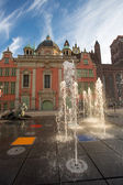 Classical architecture and fountains in old town of Gdansk — Stock Photo