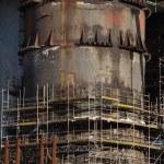 コンストラクトの下でグダニスク造船所で石油リグをドッキングの詳細 — ストック写真 #35797573