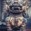 Stone lion at the entrance of a temple in Bhaktapur — Stock Photo