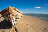 Traditional fishing boat on the beach of Colombia — Stock Photo