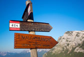 Foro Camp signs in the mountains of Dolomite — Stock Photo