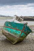 Ztroskotání na pláži ve městě paimpol — Stock fotografie