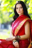 Jonge indiase vrouw — Stockfoto