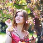 Smiling beautiful young woman — Stock Photo #26085173