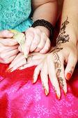 Henna applying — Stock Photo