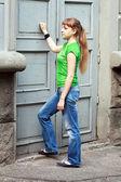 Woman knocking — Stock Photo