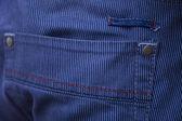 Mavi jeans cebinde — Stok fotoğraf
